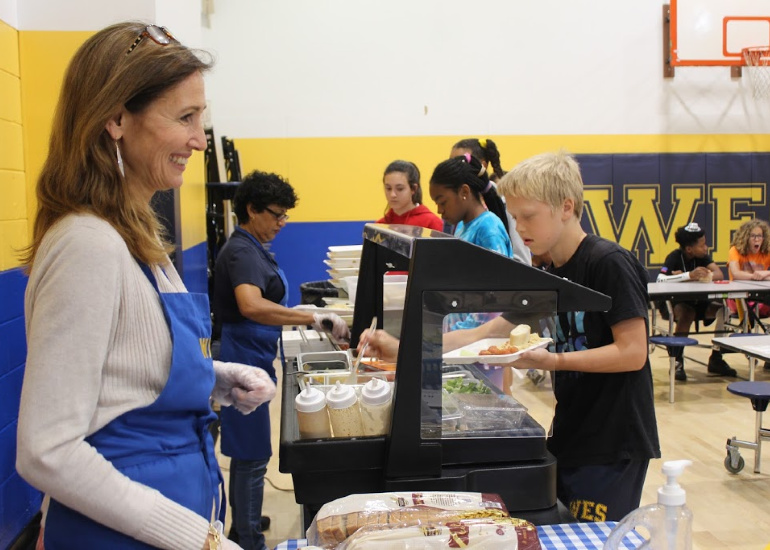 Hot lunch program at Washington Episcopal School in Bethesda Maryland